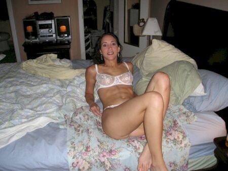 Chienne sexy réellement sexy recherche un mec original