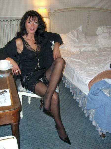 Coquine sexy recherche un libertin sur l'Hérault pour du plan q