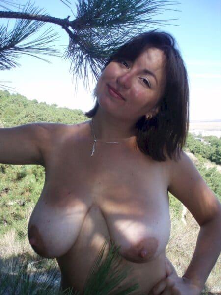 Passez une nuit de sexe avec une femme infidèle sexy