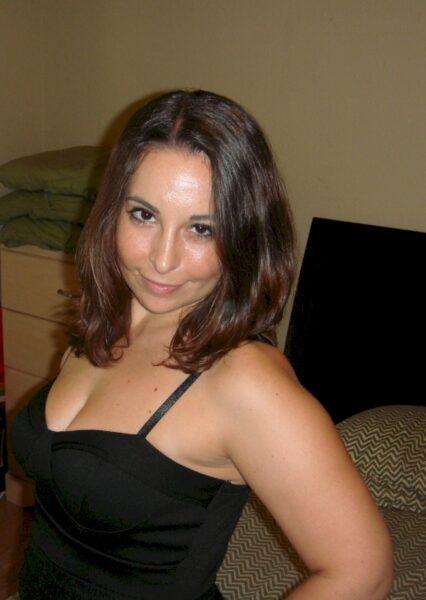 Une femme infidèle sexy pour votre plaisir